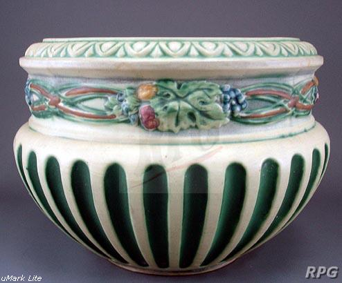 Roseville Pottery Corinthian Pattern Values And Images